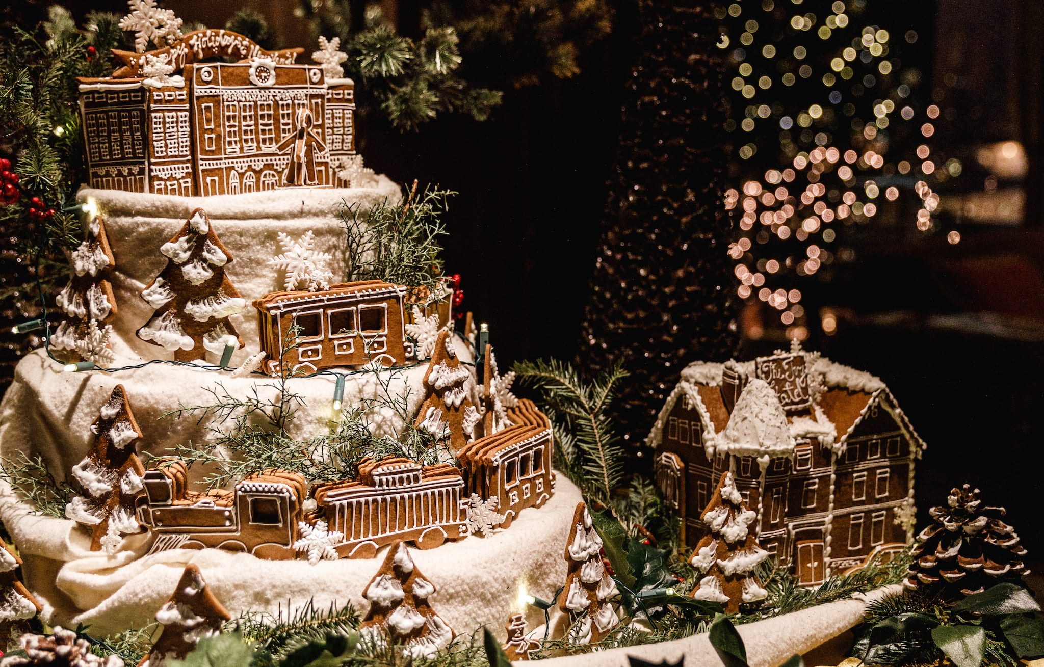 Gingerbread display of Balttimore's Penn Station and The Ivy Hotel on a table.
