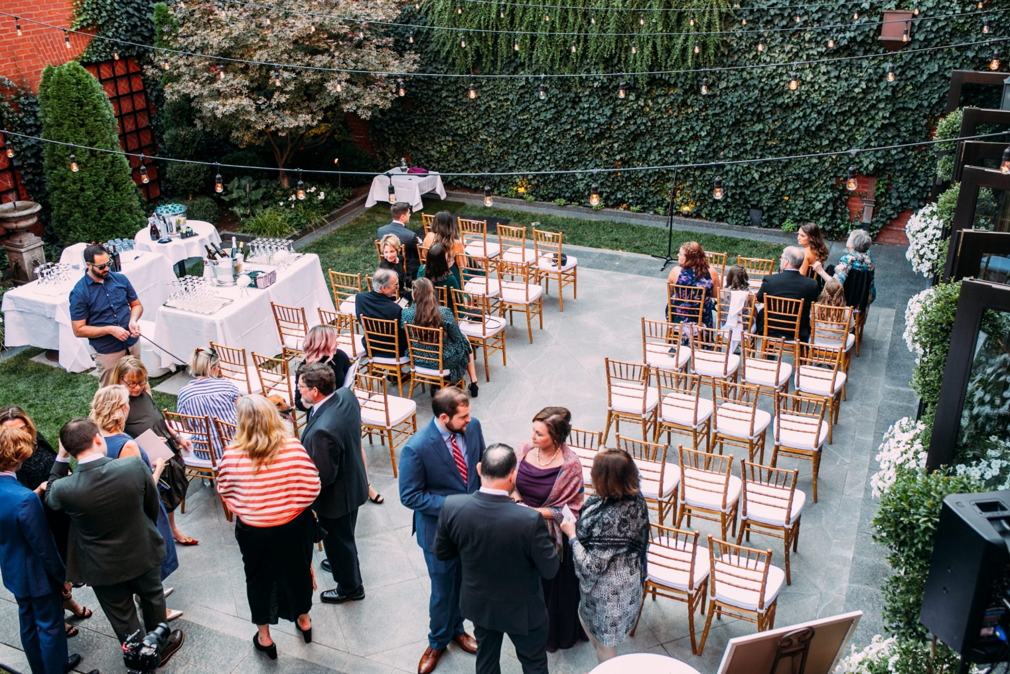 Outdoor wedding ceremony at The Ivy Hotel.